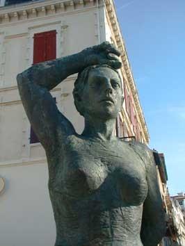 FEMME BASQUE.jpg