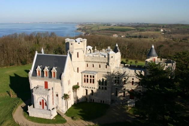 chateau-abbadia.jpg